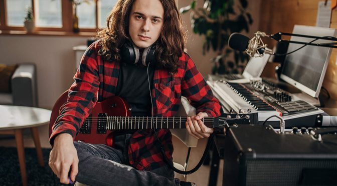 Guitar Recording FAQ: The pros and cons of double tracking guitars